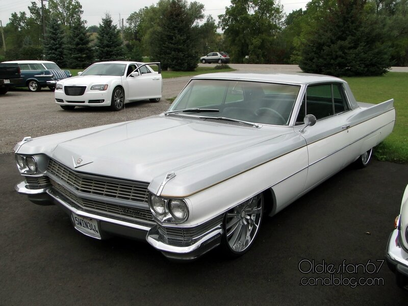cadillac-coupe-deville-1964-1