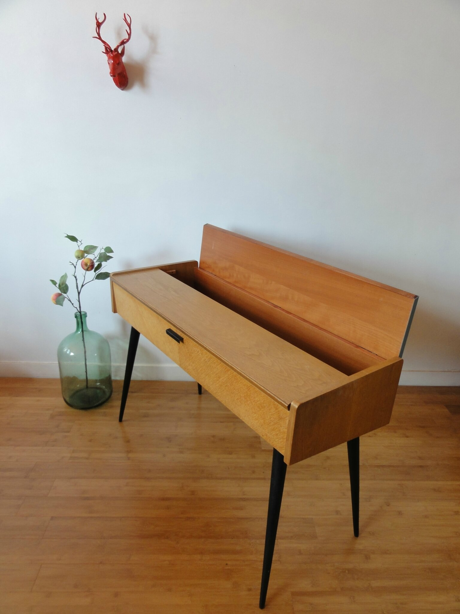bureau console scandinave vintage moi. Black Bedroom Furniture Sets. Home Design Ideas