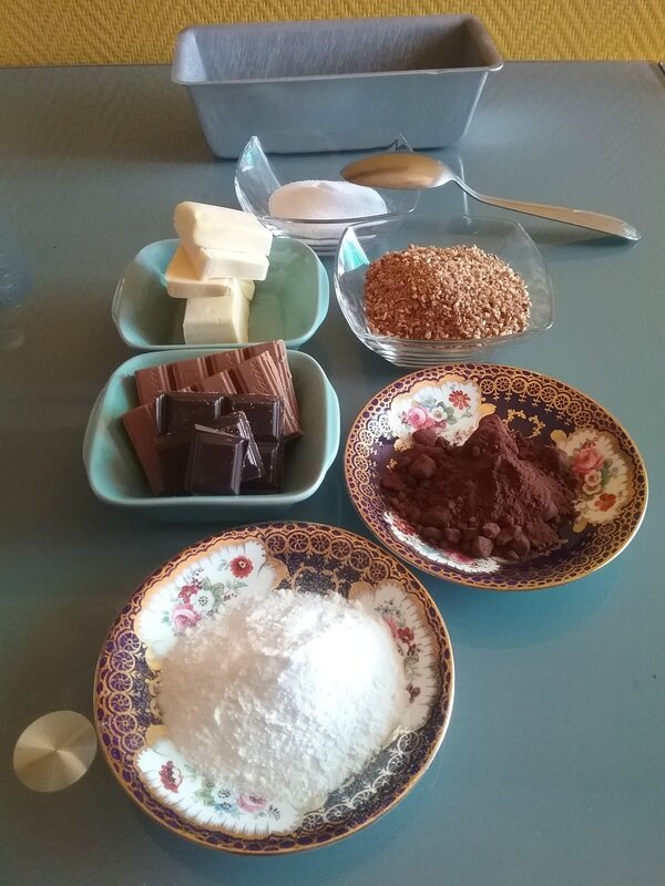 KRANTZ CAKE AU CHOCOLAT ET PRALINOISE 072