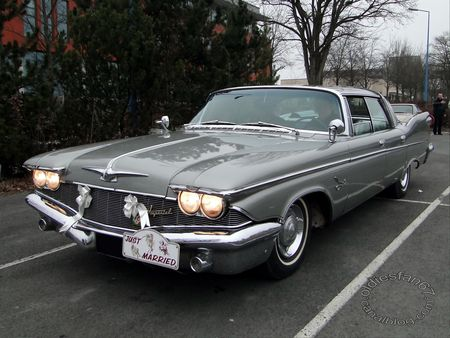 Imperial Crown Southampton hardtop sedan 1960 salon champenois du vehicule de collection reims 2012 1