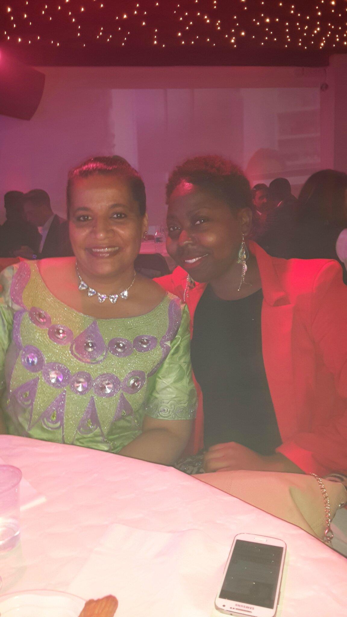 Avec Sandrine, une amie d'ARtowa. Une charmante desmoiselles. Merci pour votre accueil