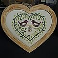 Au coeur du feuillage brodé par la-véro