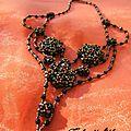 Il m'a fallu 19 heures pour réaliser ce collier de presque 300 perles dont la majeure partie en cristal Zwarovsky.