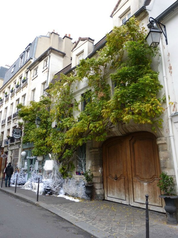 rue chanoinesse paris