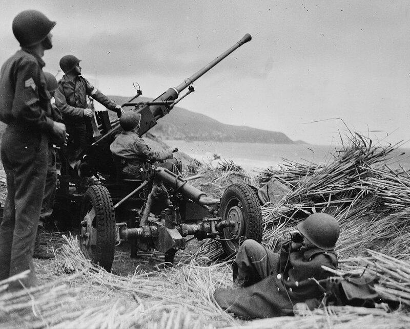 1024px-Bofors-aa-gun-algeria
