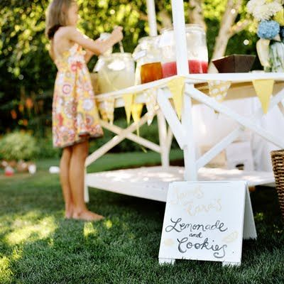 wedding_lemonade_stand
