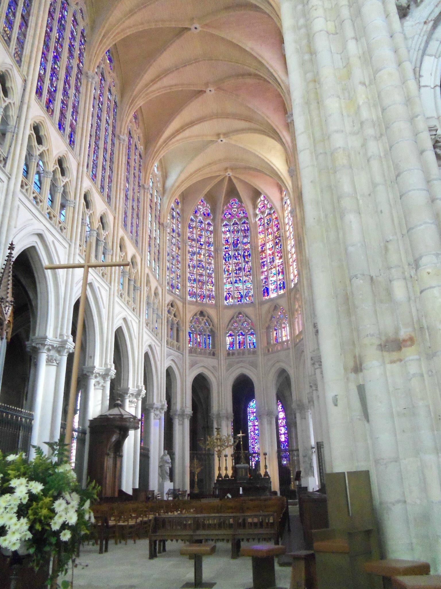 Cathedrale saint gatien interieur latouraineetsonpatrimoine - Une cathedrale gothique ...