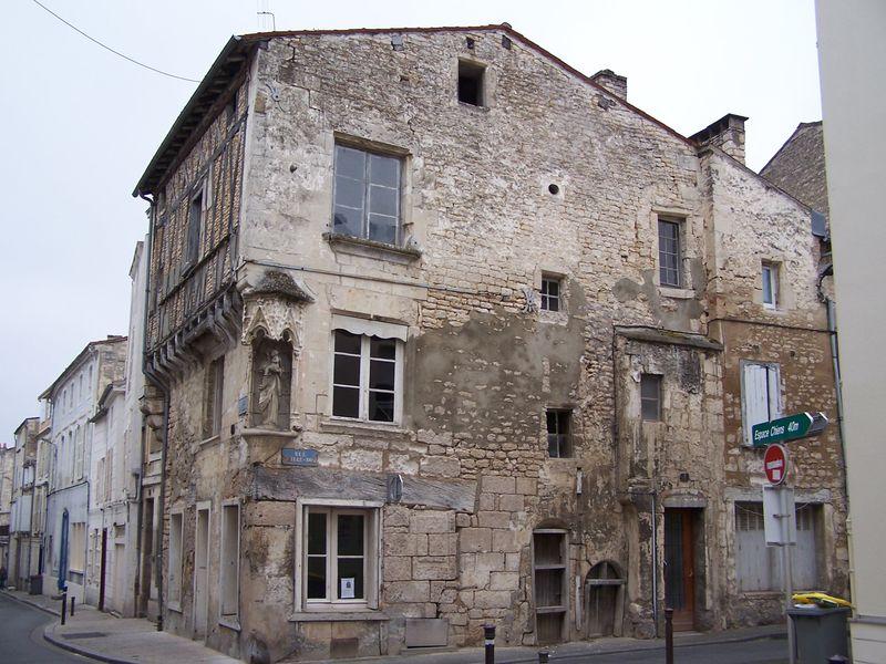 Niort 79 renaissance de la maison de la vierge arch ologie poitevine - Maison de la renaissance ...