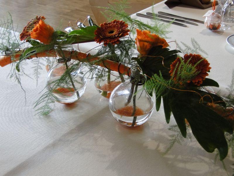 d co table d 39 honneur photo de notre mariage orange. Black Bedroom Furniture Sets. Home Design Ideas