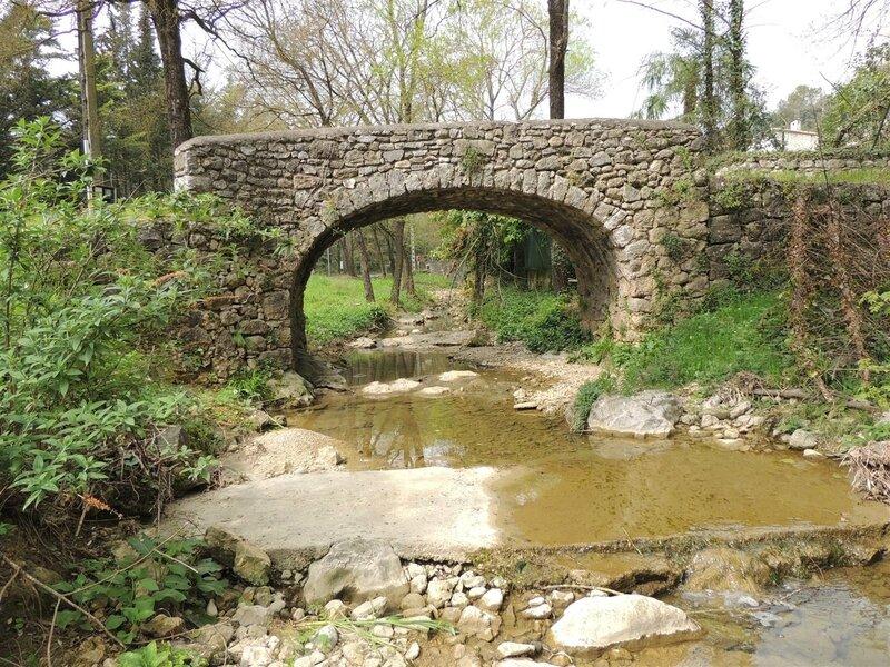 Vieux Pont de Roquefort les Pins