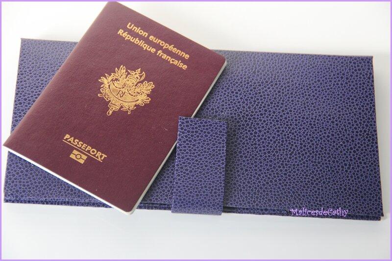 étui fermé passeport