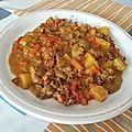 Haché de bœuf et légumes au curry jaune en wok