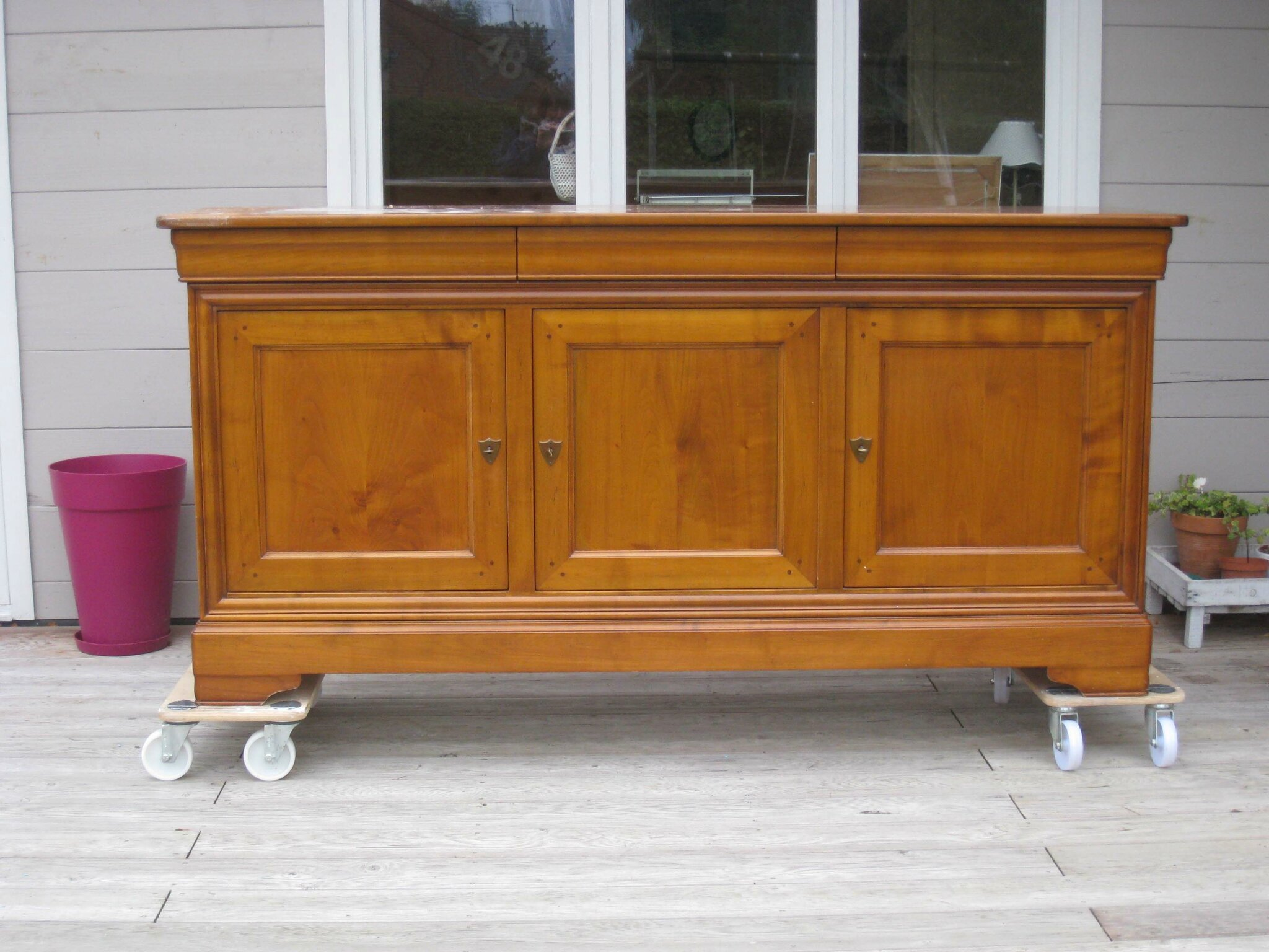 Buffet louis philippe relook patines couleurs for Bon coin donne meuble