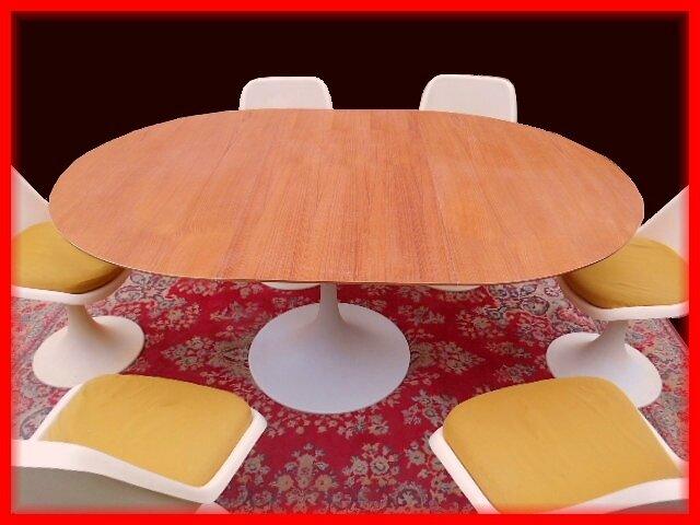 table chaises tulipe design 1970 sty saarinen knoll vendu meubles et d coration vintage. Black Bedroom Furniture Sets. Home Design Ideas