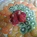 Tarte aux fruits - abricots, kiwis, fraises et crème patissière