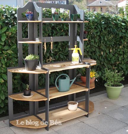 l 39 tag re du jardinier le blog de b a. Black Bedroom Furniture Sets. Home Design Ideas