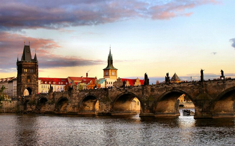 Czech-Republic-Prague-city-river-bridge-houses_1280x800