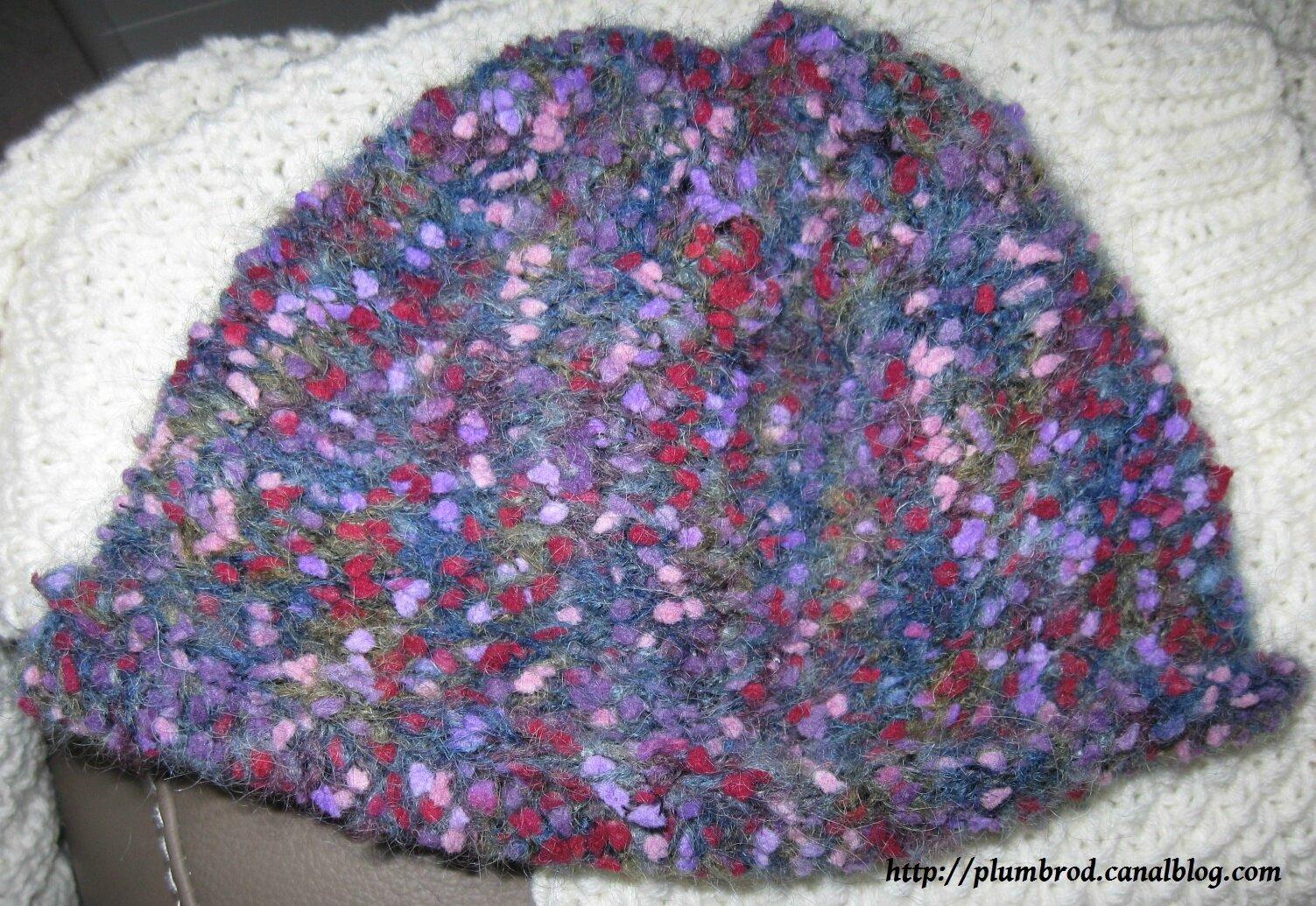 Un peu de tricot plume de brodeuse - Broderie sur tricot point mousse ...