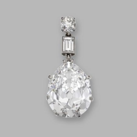 Platinum_and_Diamond_Pendant__Circa_1915