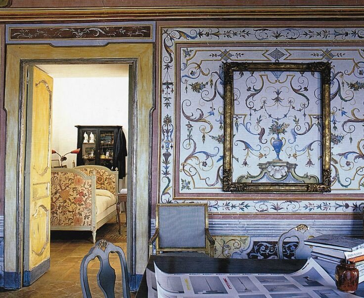 e8fe0a171f4052d62851b4003283623f--world-of-interiors-french-interiors