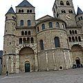 Des cathédrales romanes comme s'il en pleuvait ...