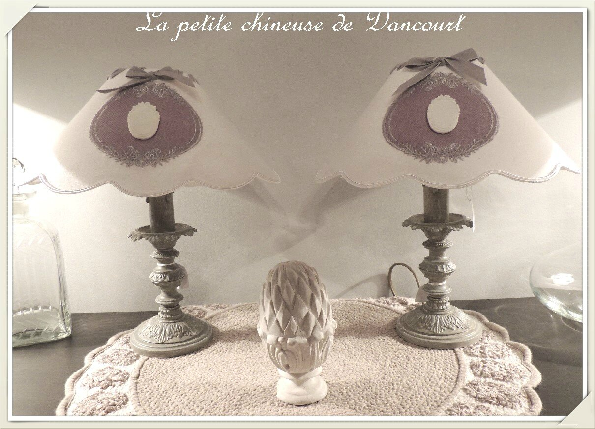 lampe de chevet grise 2 photo de les lampes la petite. Black Bedroom Furniture Sets. Home Design Ideas