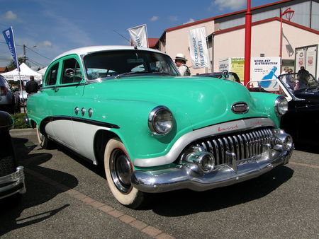 BUICK Special 4door Sedan 1952 Festival des Voitures Anciennes de Hambach 2010 1