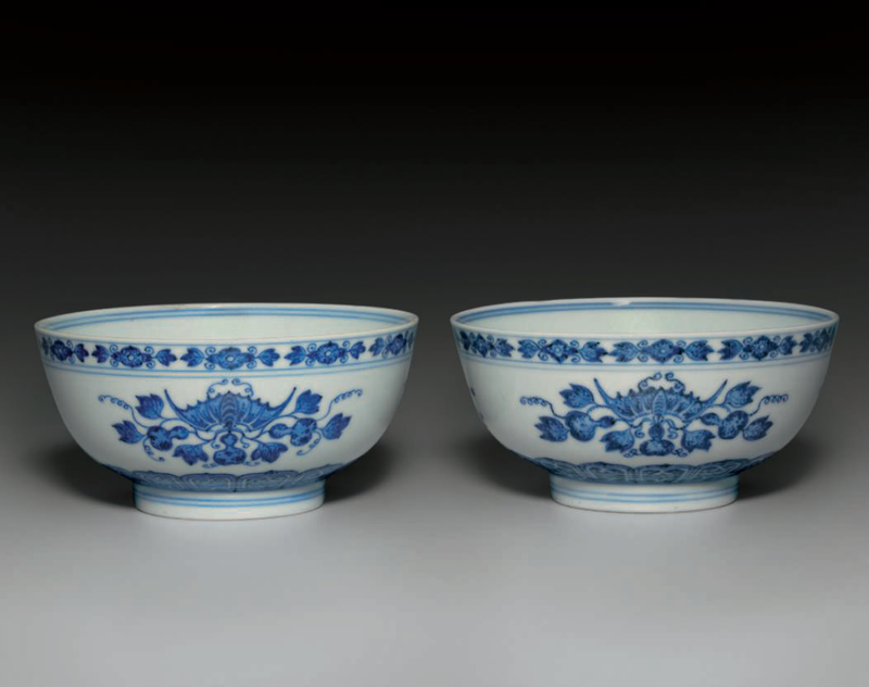 Two blue and white bowls, Qianlong six-character seal marks in underglaze blue and of the period (1736-1795)