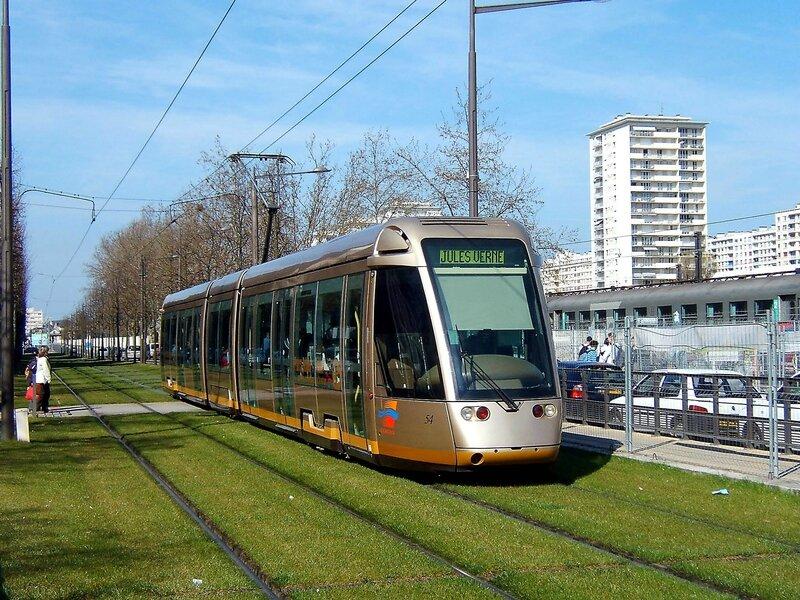 050407_A-avenue-de-paris1