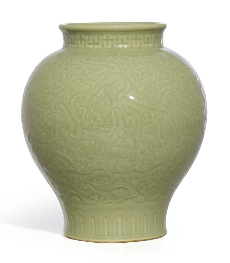 A fine and rare celadon-glazed 'Kui Dragon' jar, Seal mark and period of Qianlong