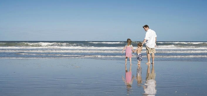 Famille-plage_taille706x330W