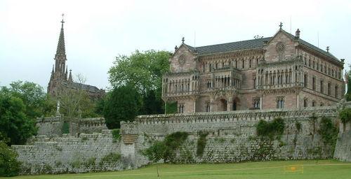 Comillas-Palacio de Sobrellano et panteon