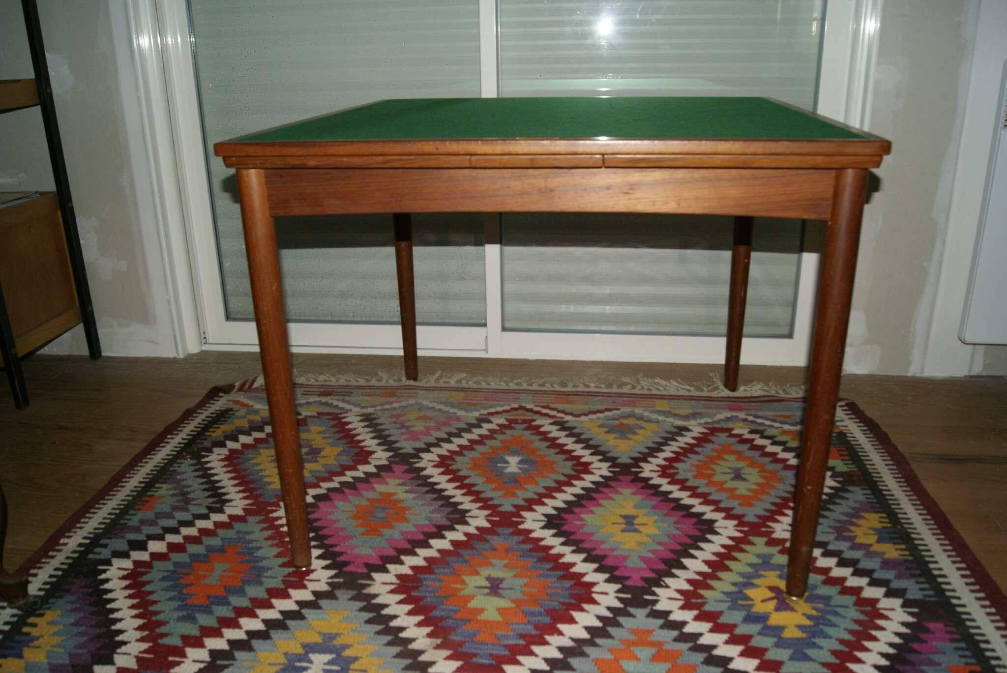 Table a jeux scandinave teck 1960 la brocante de nadine for Jeu des tables