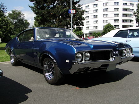 OLDSMOBILE 442 Holiday Hardtop Coupe 1969 RegioMotoClassica 2010 1