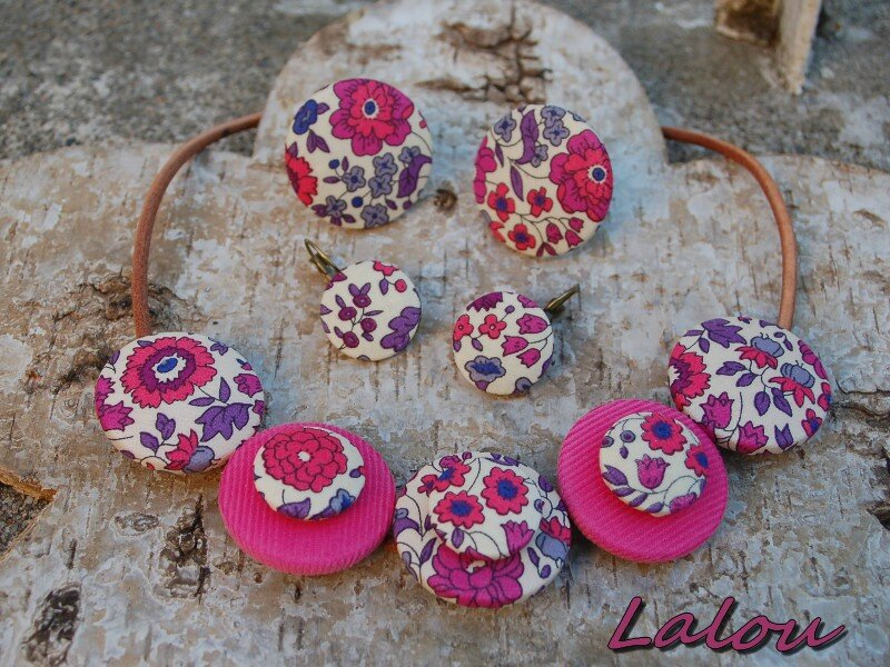 Sans titre 1collier liberty rose