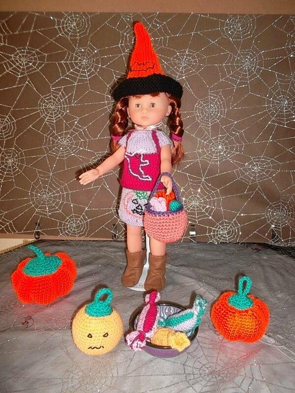 Clara a des bonbons, dans son panier & dans la coupelle fait main comme ses jolies citrouilles