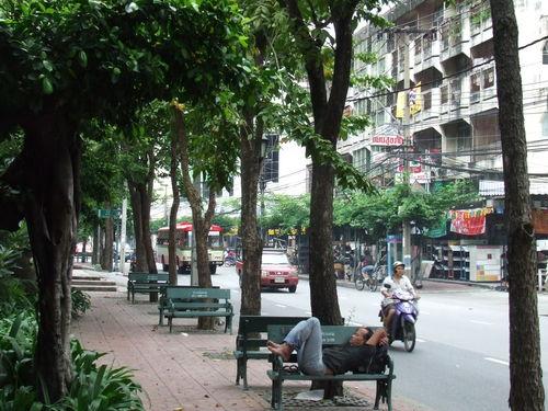Les bancs old school de Bangkok