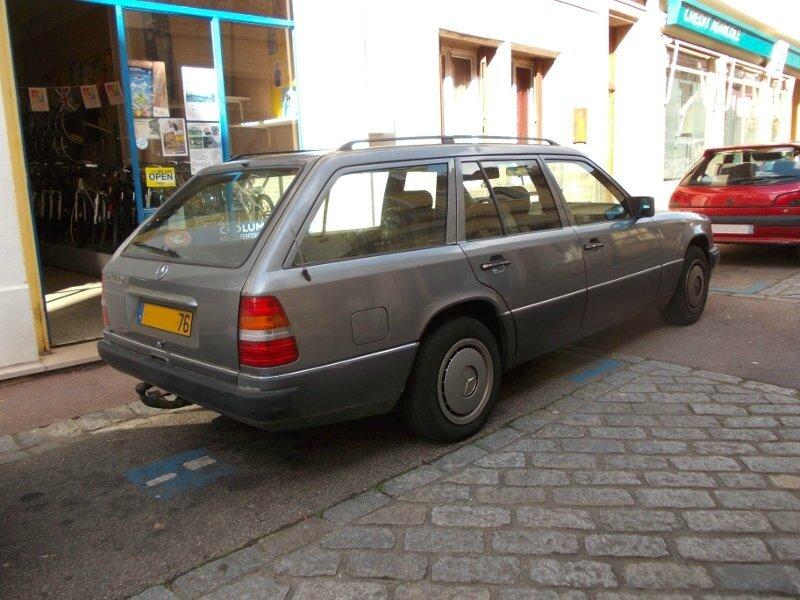Mercedes250TDar1