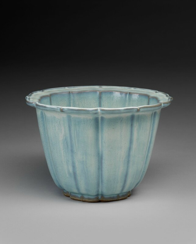 Lobed Flowerpot with Bracketed Foliate Rim, Ming dynasty, 1368-1644, probably 15th century