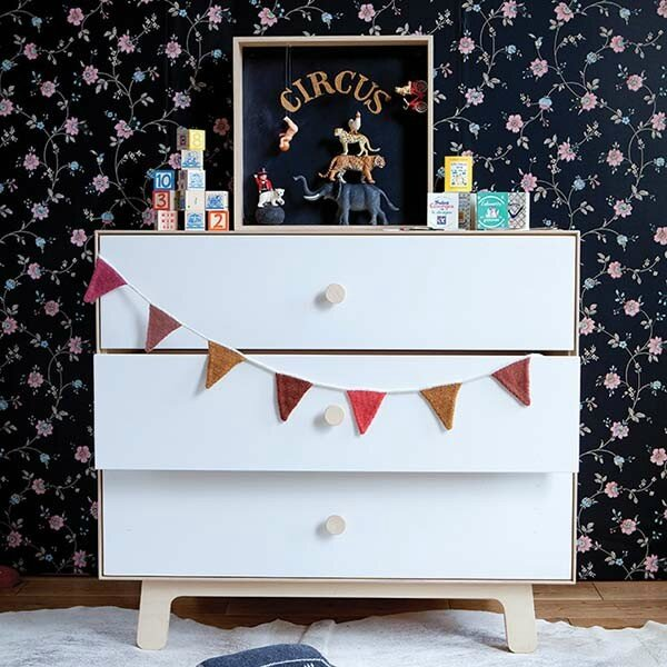 sparrow-dresser-roomsetting_2