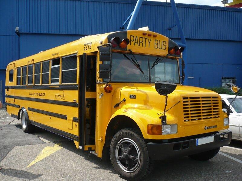 NAVISTAR INTERNATIONAL 3800 T444E School bus - Party bus Sinsheim (1)