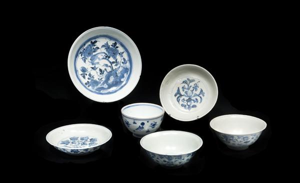trois_coupelles_et_trois_bols_en_porcelaine_bleu_blanc_vietnam_1371470748117376