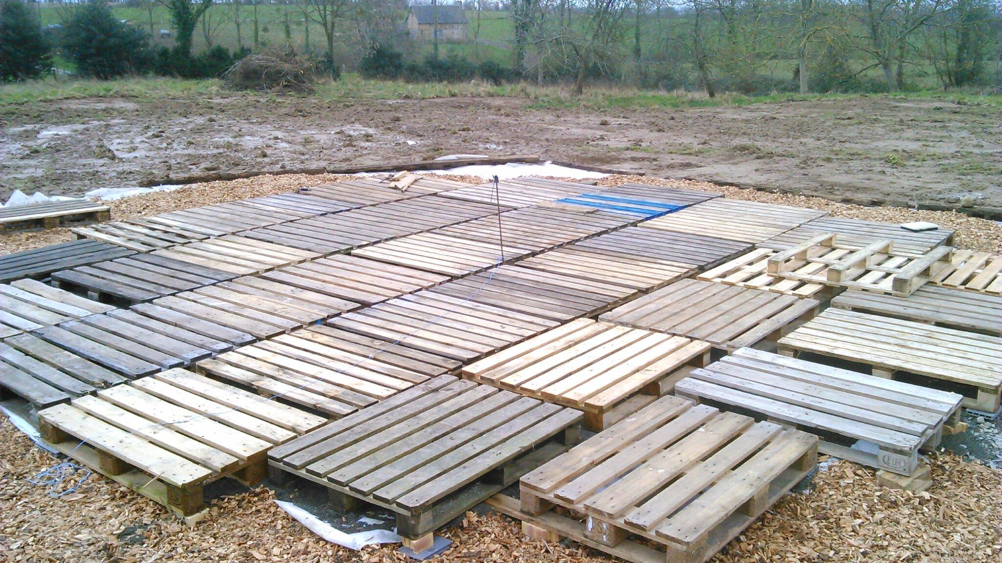 Faire construire yourte maison moderne for Pose plancher bois exterieur