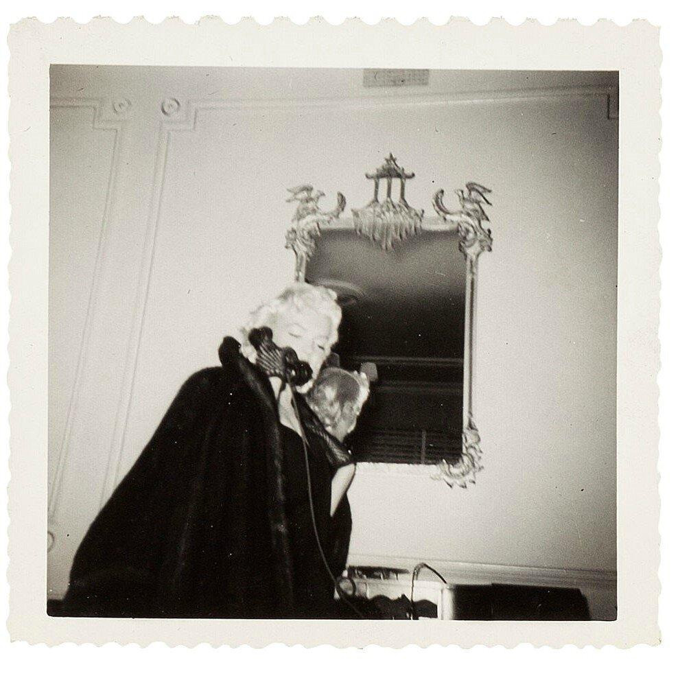 1955-01-26-ny-gladstone_hotel-on_phone-3-1