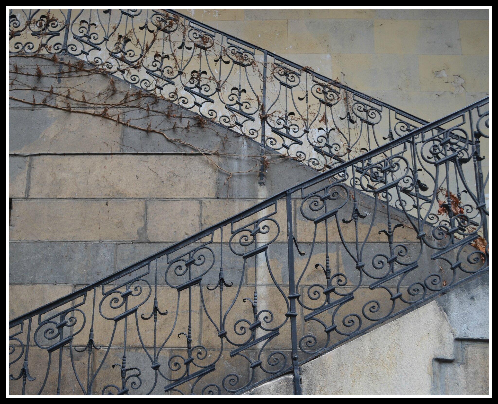 bois pierres fer forg marbre verri re pour des escaliers majestueux chambre avec vues. Black Bedroom Furniture Sets. Home Design Ideas