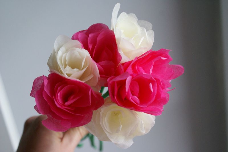 un bouquet de roses du bonheur en b ton. Black Bedroom Furniture Sets. Home Design Ideas