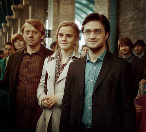 The-Trio-19-years-later-harry-james-potter-24798075-500-450[1]