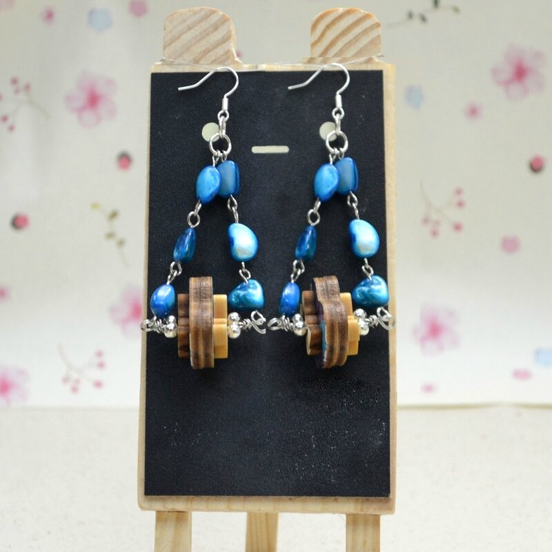 Shell-Dangle-Earrings-with-Wooden-Buttons-6