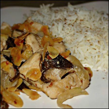 poulet aux amandes