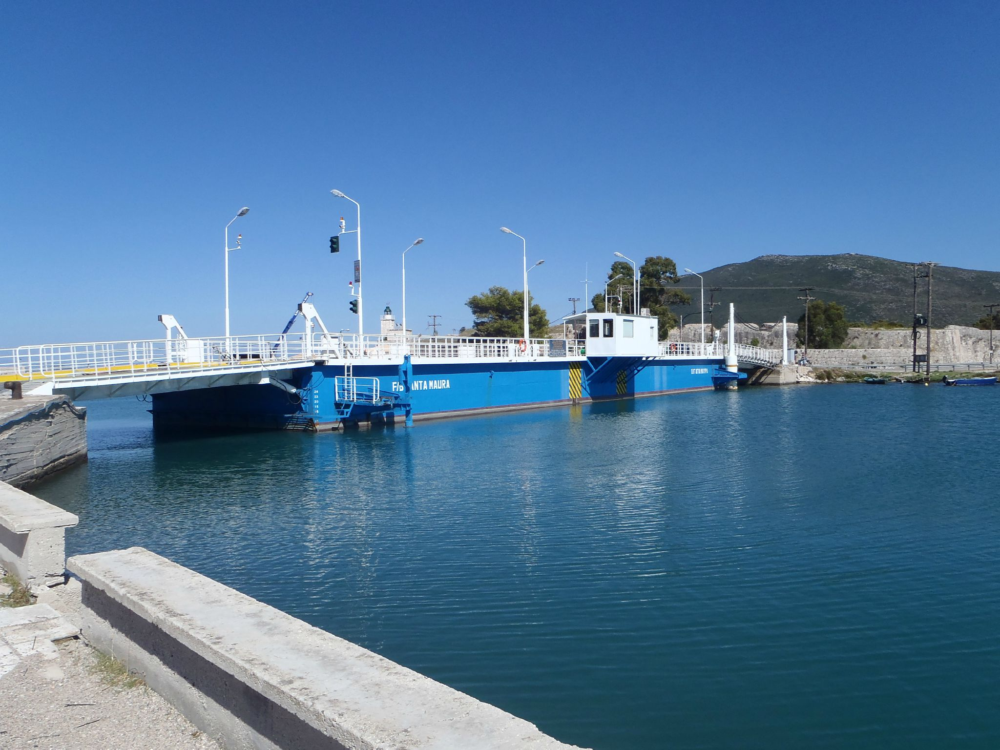 grece pont bateau de lefkas